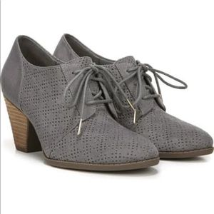Dr. Scholl's Credit oxford ankle booties